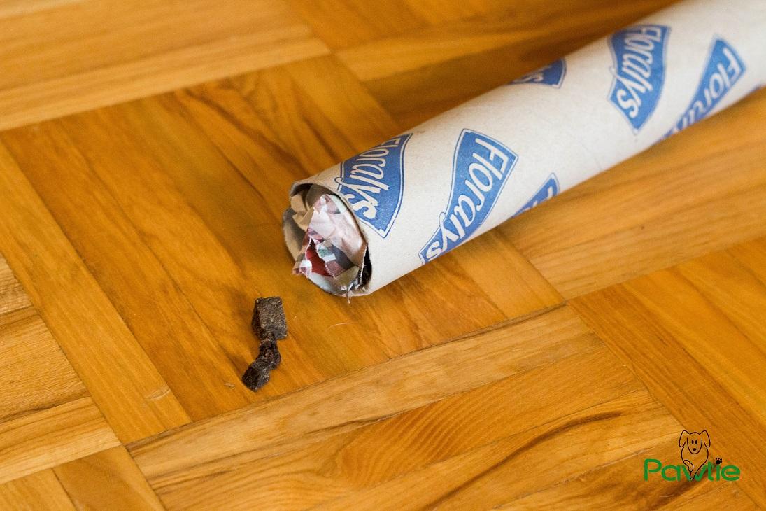 Hunde Intelligenzspielzeug leere Küchenrolle